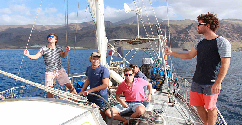 <a class=&quot;amazingslider-posttitle-link&quot; href=&quot;http://apprentisnomades.org/nos-initiatives/vamos-no-pico-do-fogo/&quot;>Sail with us in Cabo Verde</a>